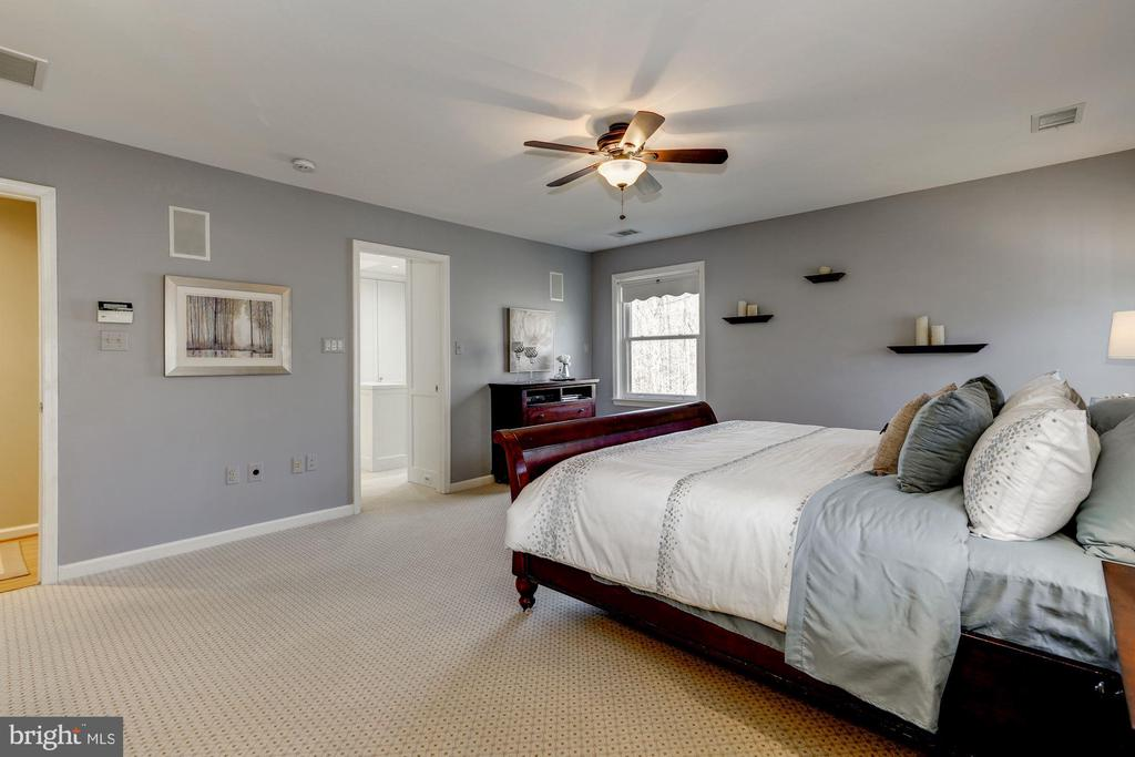 Additional view of master suite - 2008 ROUNDHOUSE RD, VIENNA