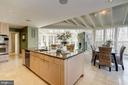 Fantastic open kitchen with great room beyond - 2008 ROUNDHOUSE RD, VIENNA