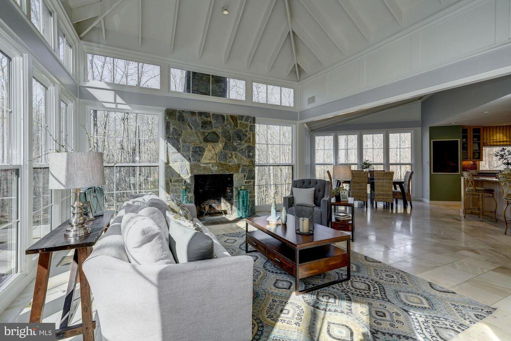 Incredible custom expansion & renovation! - 2008 ROUNDHOUSE RD, VIENNA
