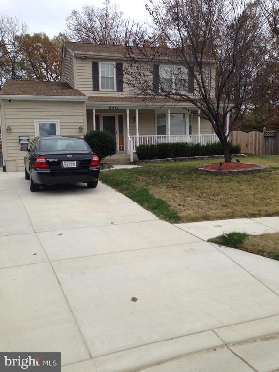 Enjoy the front porch for relaxing! - 6411 JUANITA CT, SUITLAND