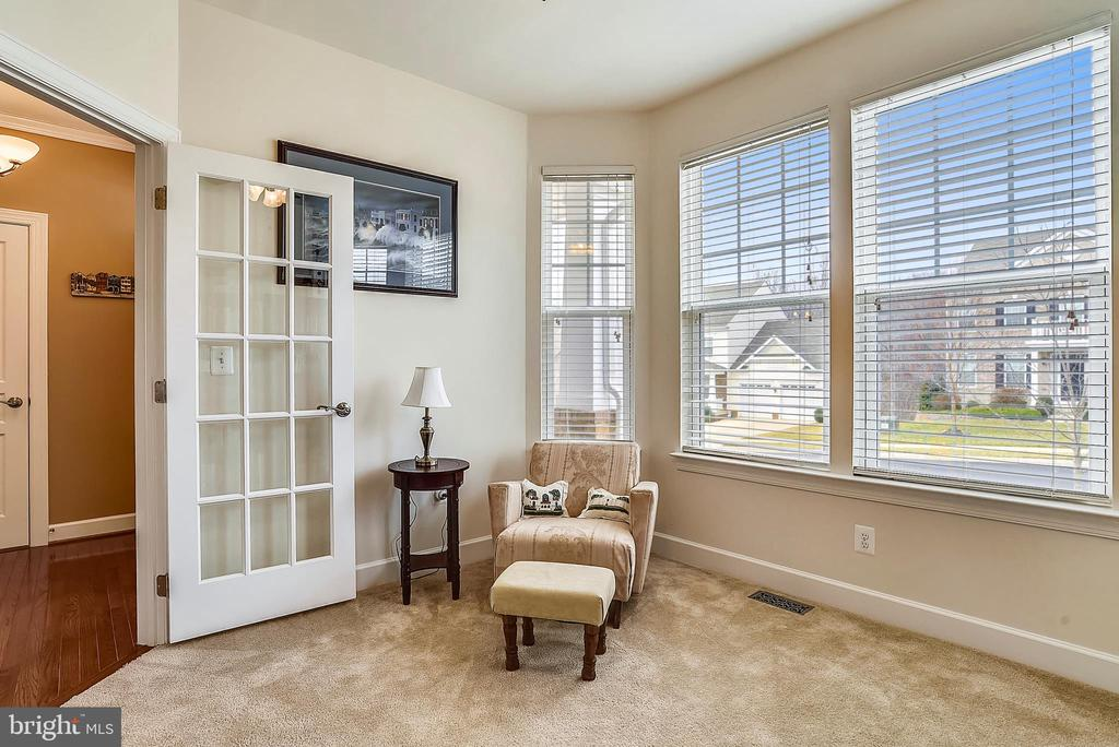 OFFICE WITH BAY EXTENION - 5709 SPRIGGS MEADOW DR, WOODBRIDGE