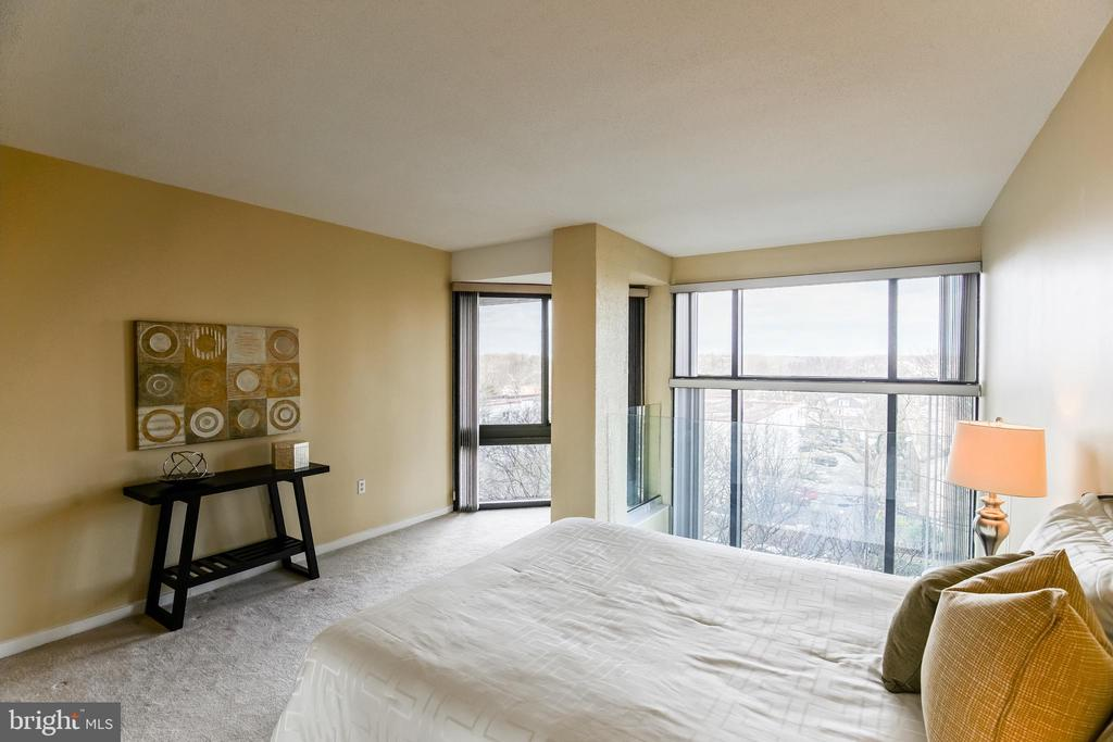 Upper Level Bedroom - 1530 KEY BLVD #506, ARLINGTON