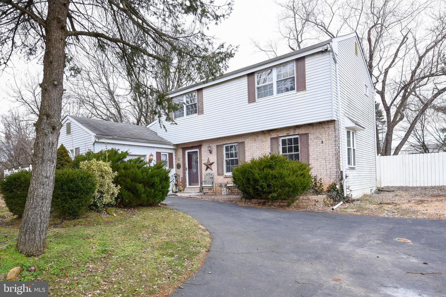 Photo of home for sale at 4710 Lanfair Place, Bensalem PA
