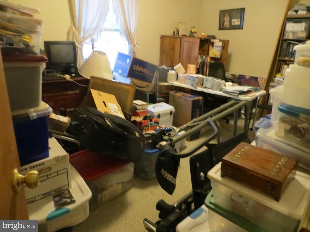 Overstuffed bedroom-new photo coming shortly - 535 MONTICELLO CIR, LOCUST GROVE