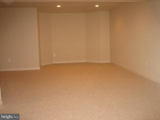 Basement #1 - 24907 PINEBROOK RD, CHANTILLY