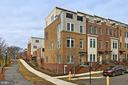 Rarely-available end unit in Pike 3400! - 1148 S LINCOLN ST, ARLINGTON