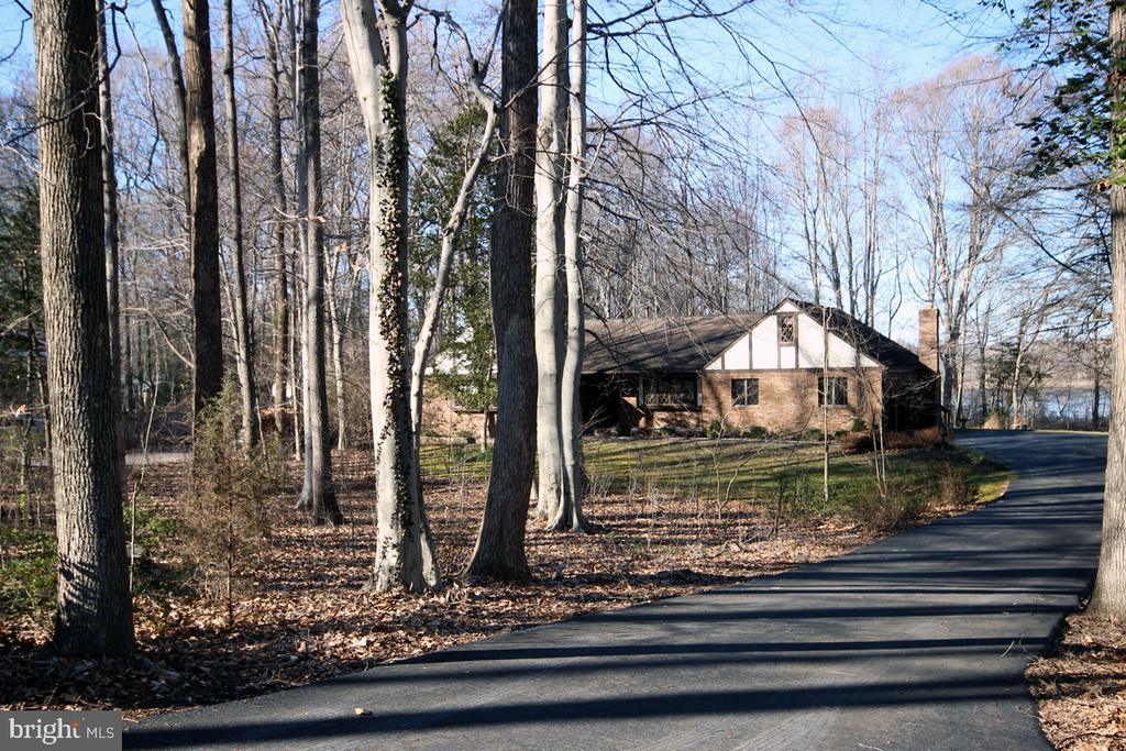 Private setting with Mature Hardwood Trees - 3225 RIVERVIEW DR, TRIANGLE