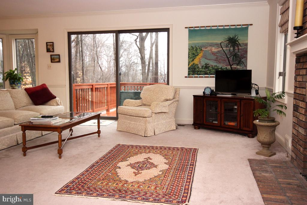 Family Room opens to Entertainment Deck - 3225 RIVERVIEW DR, TRIANGLE