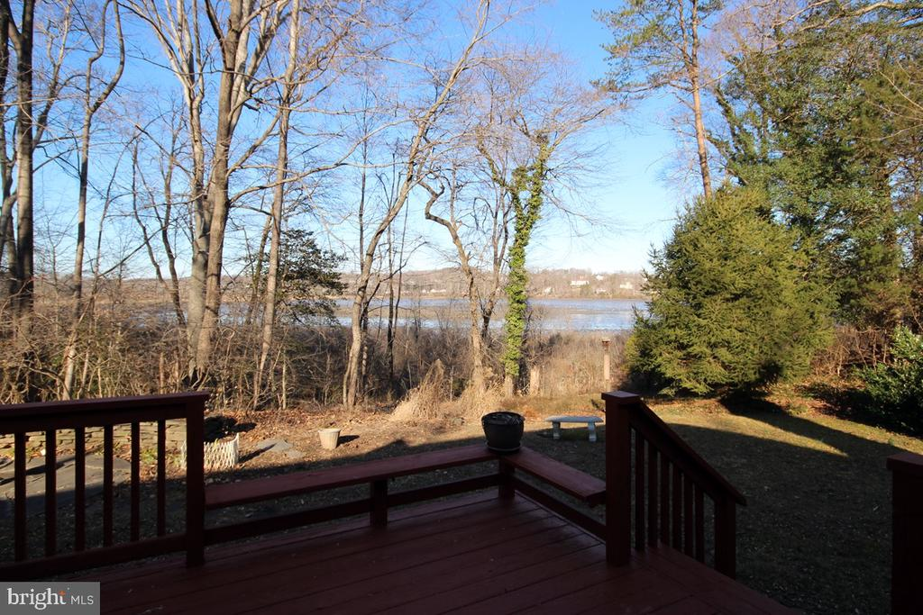 Birdwatch from your Deck - 3225 RIVERVIEW DR, TRIANGLE
