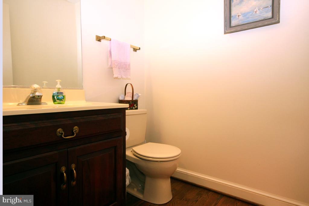 Powder Room w Hardwood Flooring - 3225 RIVERVIEW DR, TRIANGLE
