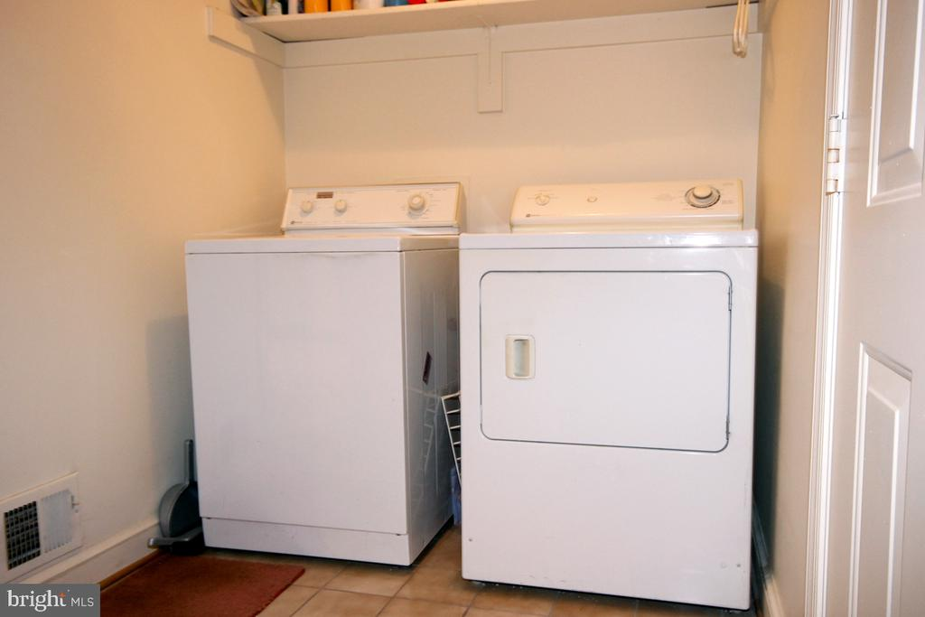 Washer & Dryer on Main Level - 3225 RIVERVIEW DR, TRIANGLE