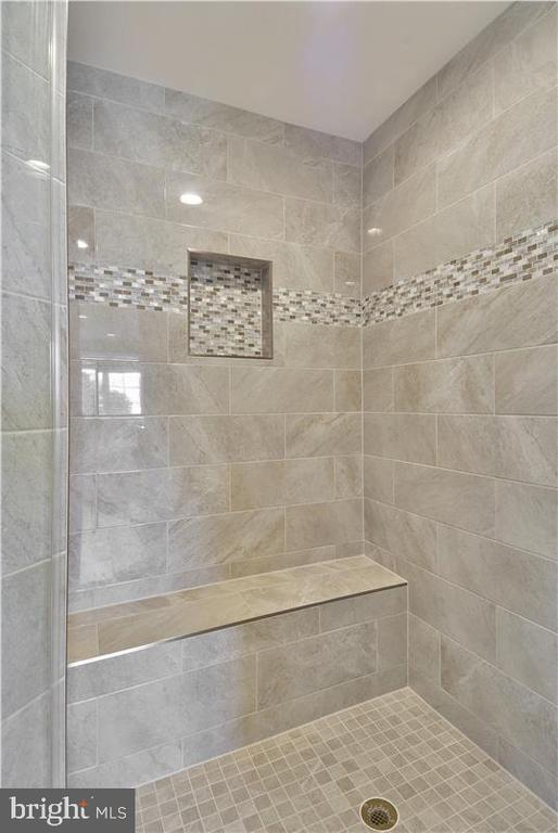 Gorgeous new master bath shower - 16600 FERRIERS CT, LEESBURG