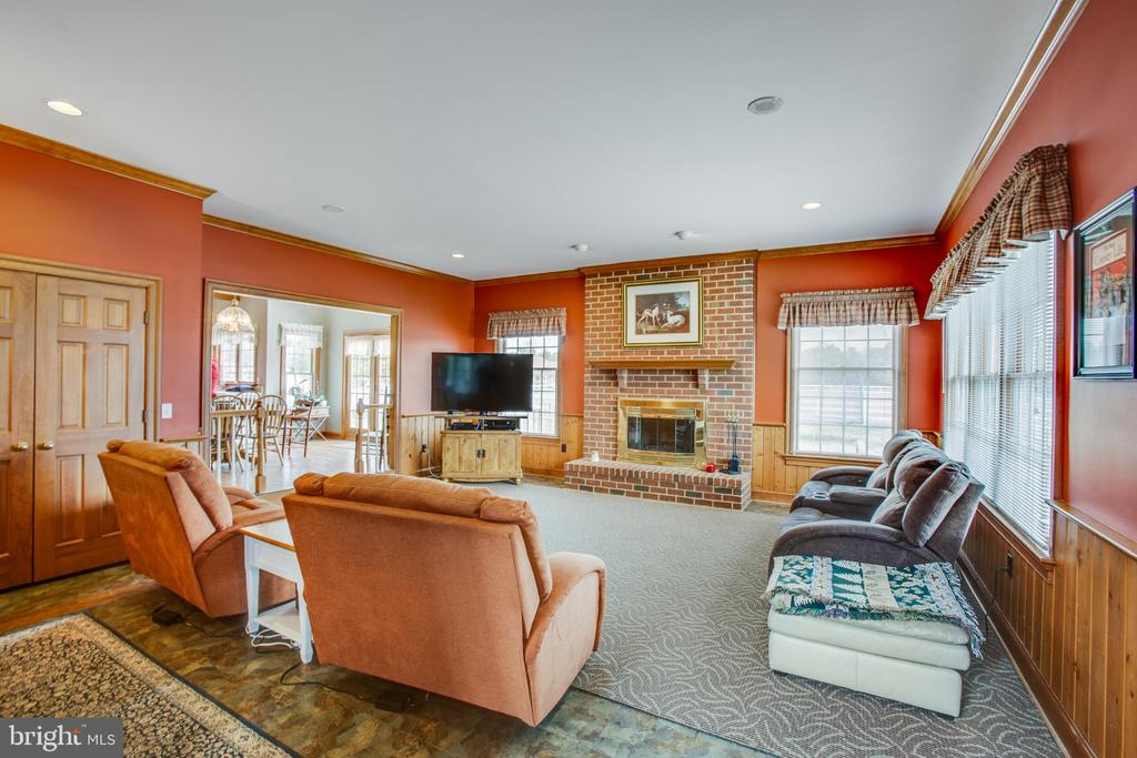 Entering into family room from living room - 7411 SNOW HILL DR, SPOTSYLVANIA