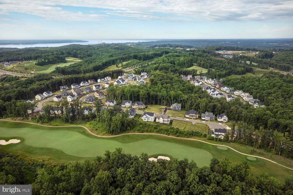 Built around a Jack Niklaus designed golf course - 2565 PASSIONFLOWER CT, DUMFRIES