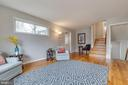 4-level split, stairs to 3rd level and basement - 10321 WOOD RD, FAIRFAX