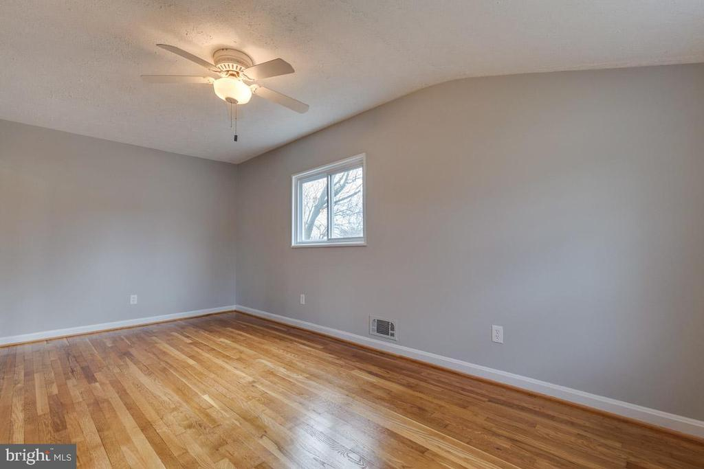 Bedroom 4 - 10321 WOOD RD, FAIRFAX