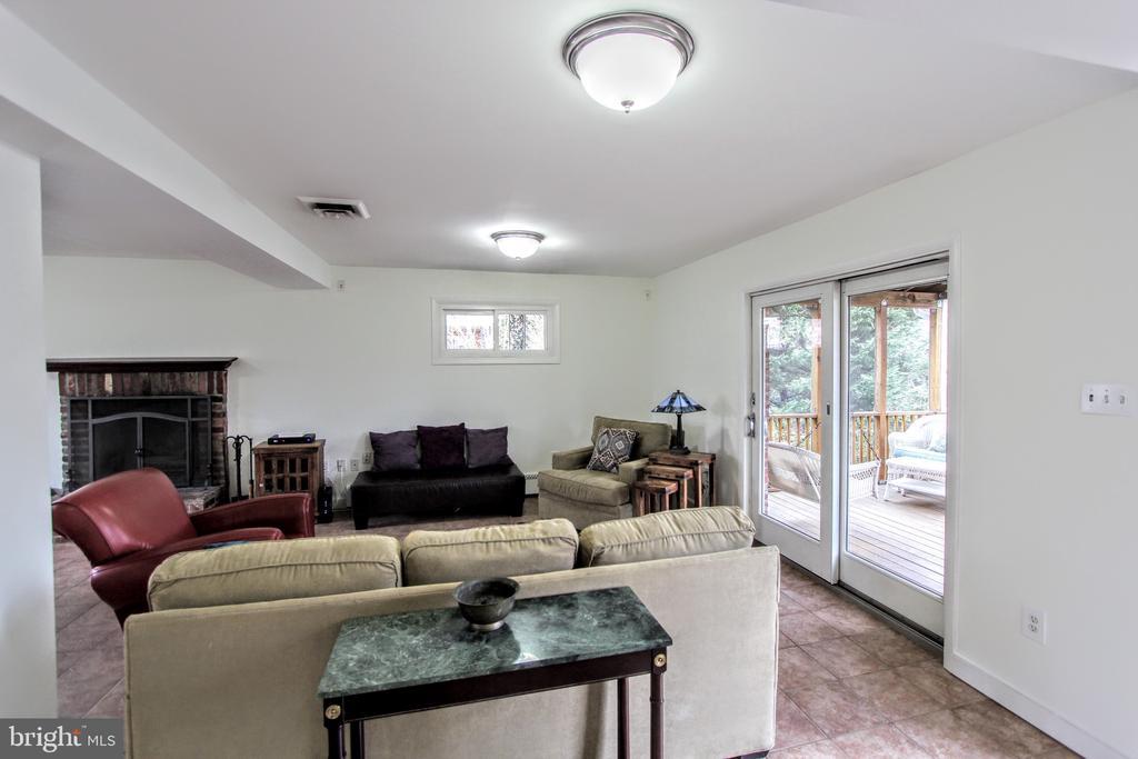 FR + Home Office, Fabulous Living Space - 1616 N HOWARD ST, ALEXANDRIA