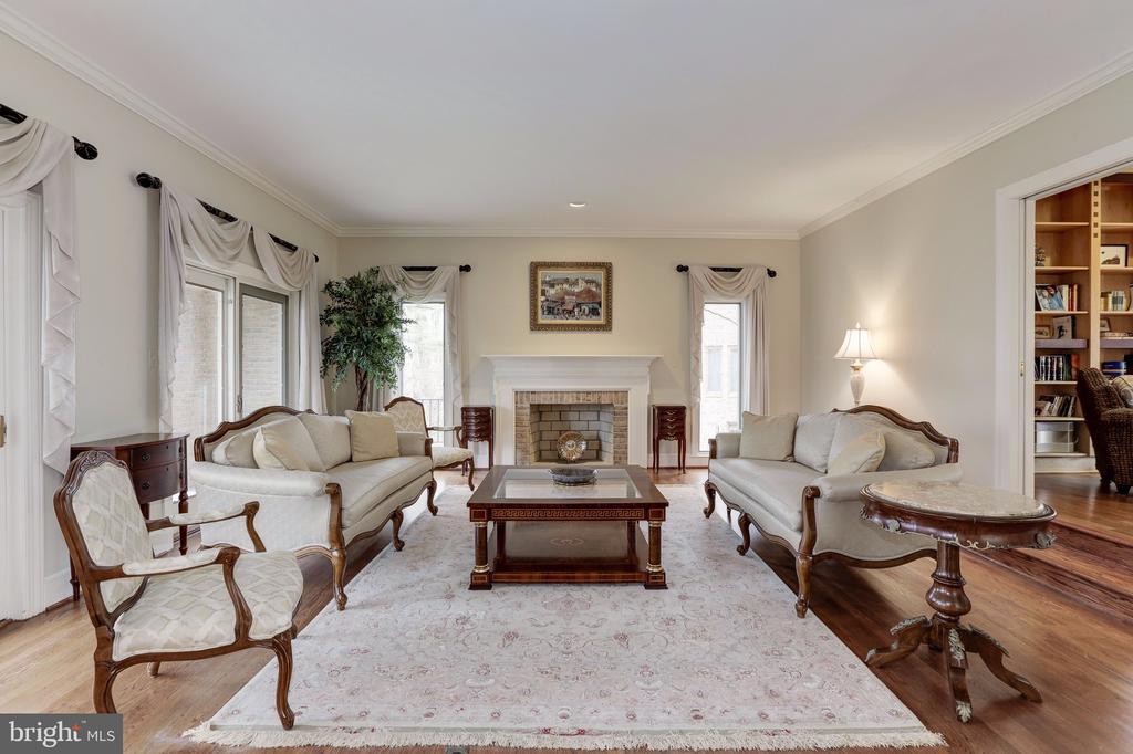 Living Room - 6709 ARROYO CT, ROCKVILLE