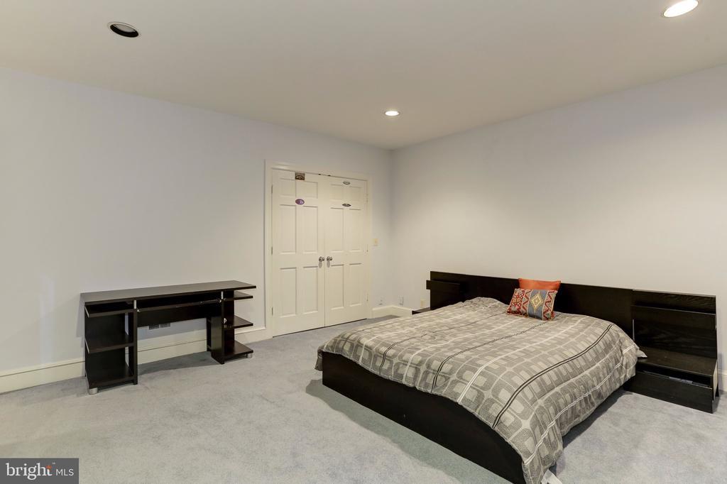Sixth Bedroom - 6709 ARROYO CT, ROCKVILLE