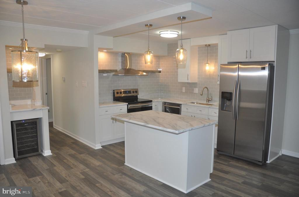 Completely renovated kitchen - 125 N-N CLUBHOUSE DR SW #2, LEESBURG