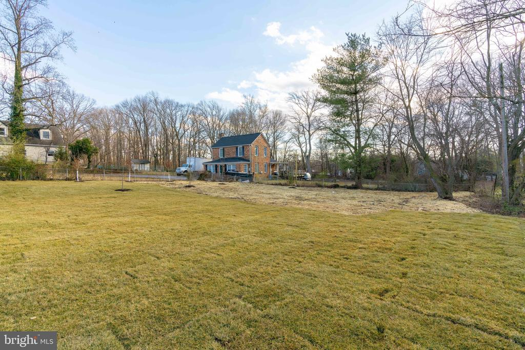 - 8733 POHICK RD, SPRINGFIELD