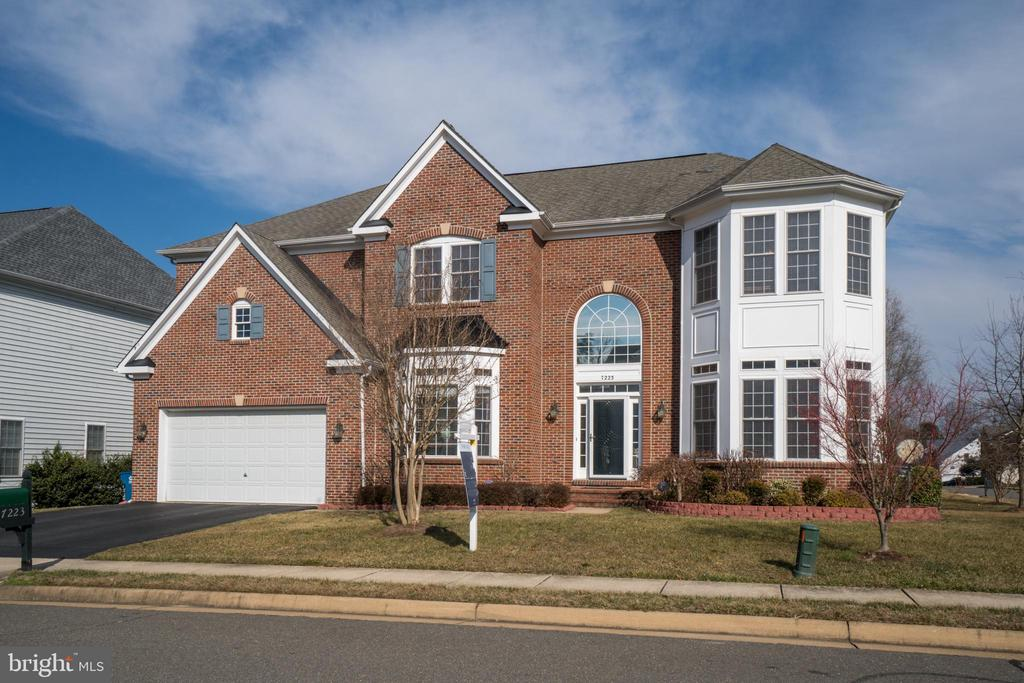 - 7223 WHITE HOUSE DR, SPRINGFIELD