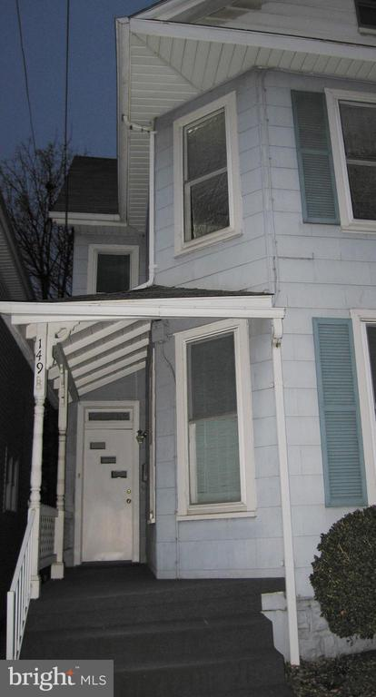 Investment Opportunity! 3 Bed/1 Ba 1/2 Duplex! - 149 NORTH FRANKLIN, CHAMBERSBURG