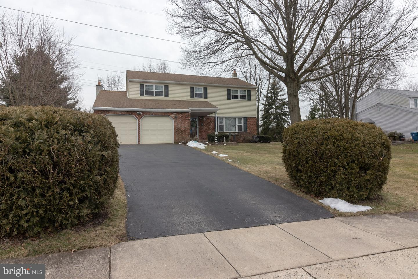 Photo of home for sale at 1919 Muhlenberg Drive, Lansdale PA