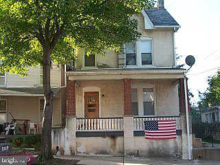 Photo of home for sale at 410 Jefferson Avenue, Pottstown PA