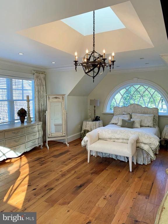 7th bedroom in carriage house w/heart pine floors - 7301 DULANY DR, MCLEAN
