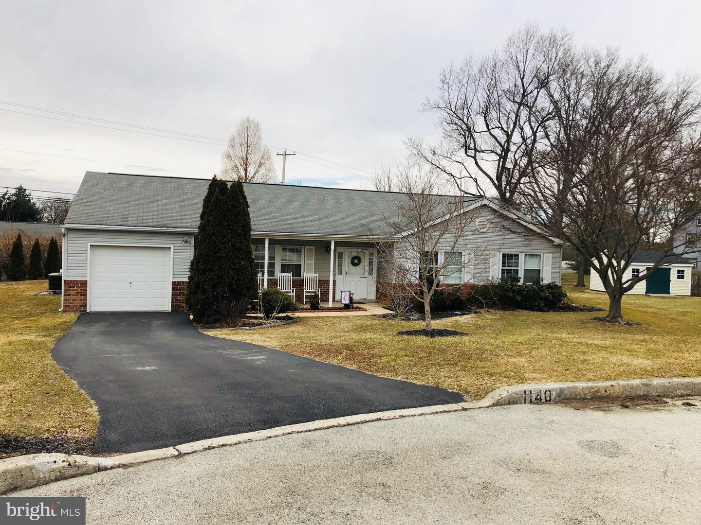 Photo of home for sale at 1140 Longhorn Circle, Blue Bell PA