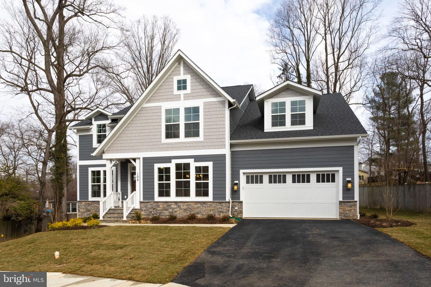 Additional photo for property listing at 102 Sharon Ln NW Vienna, Virginia 22180 United States