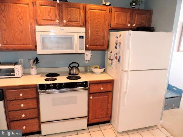 Kitchen c - 429 BAYSHORE DR #205, OCEAN CITY
