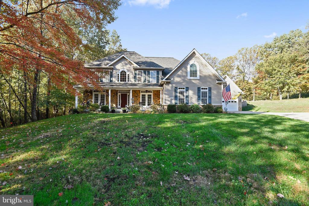 5 Bedrooms, 5 Full Bath, 2 Garages for 5 Cars - 3446 VALEWOOD DR, OAKTON