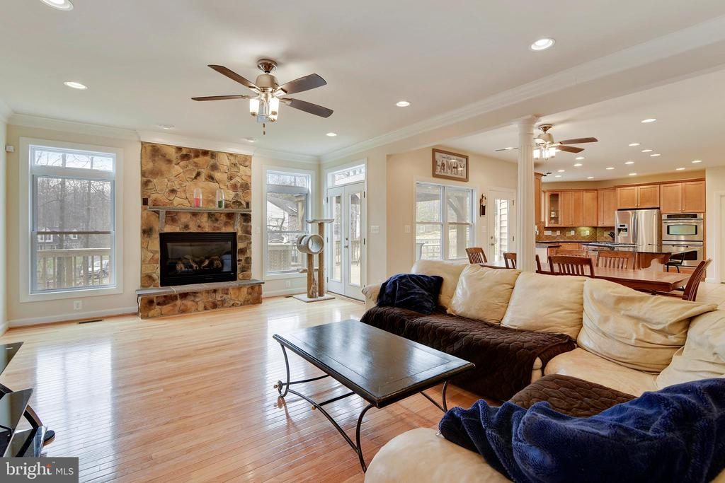 Wide Family Room with Gas Fireplace. - 3446 VALEWOOD DR, OAKTON