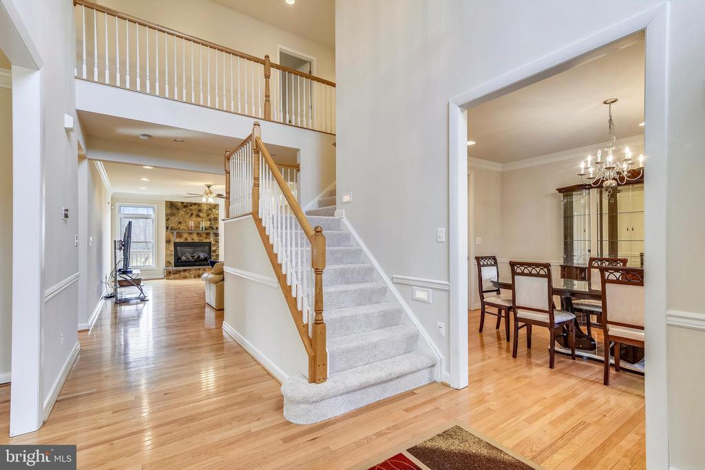 Oak Hardwood Floors throughout most of main level. - 3446 VALEWOOD DR, OAKTON