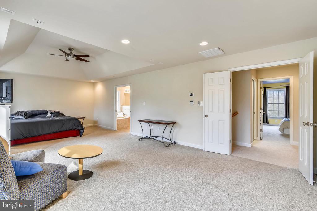 Master Bedroom - 3446 VALEWOOD DR, OAKTON