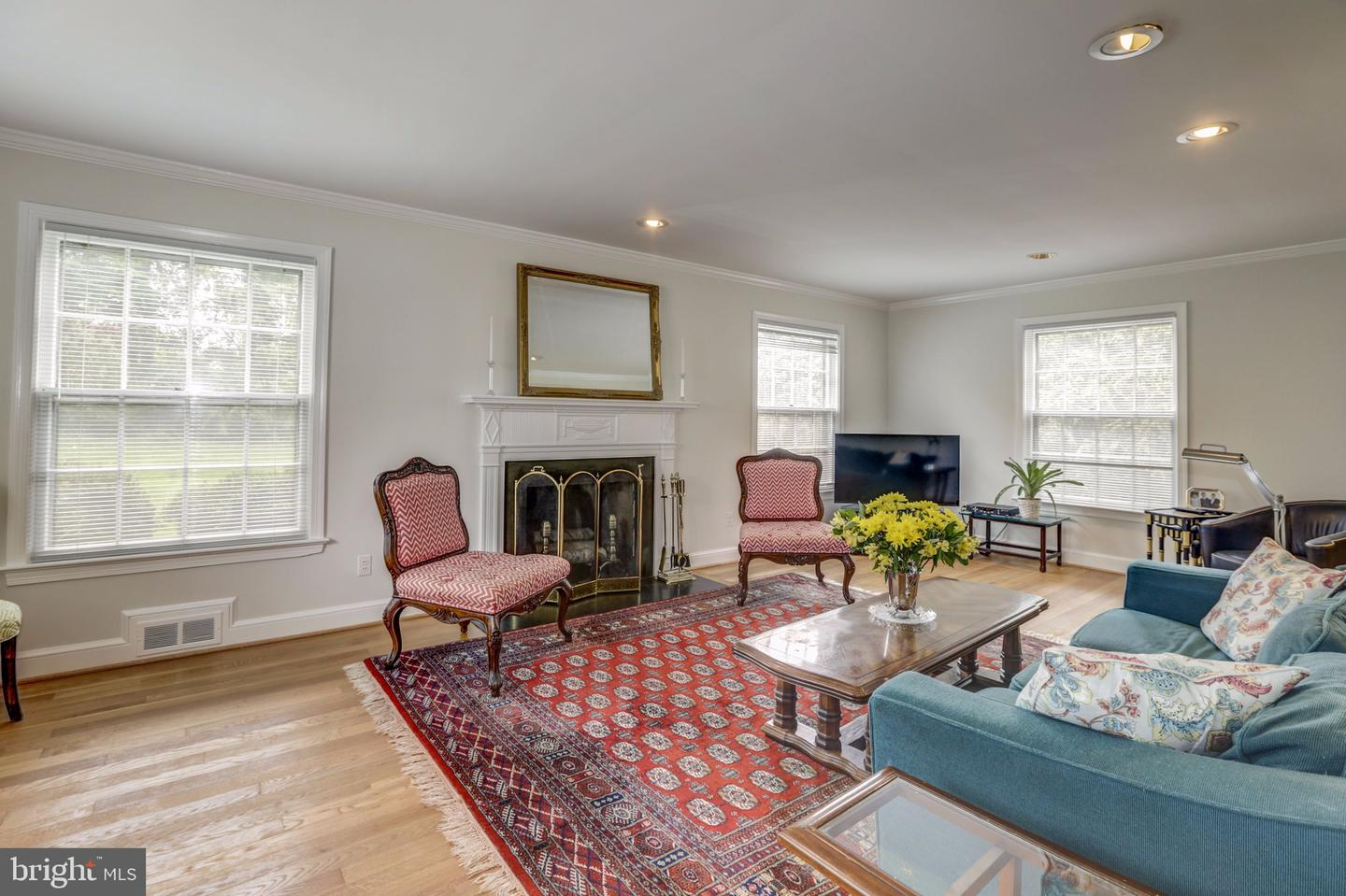 Additional photo for property listing at 4755 34th St N Arlington, Virginia 22207 United States