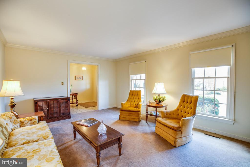 Living Room - 1 TALLY HO DR, FREDERICKSBURG