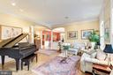 Baby grand sized living room to right of thefoyer. - 3013 N DICKERSON ST, ARLINGTON