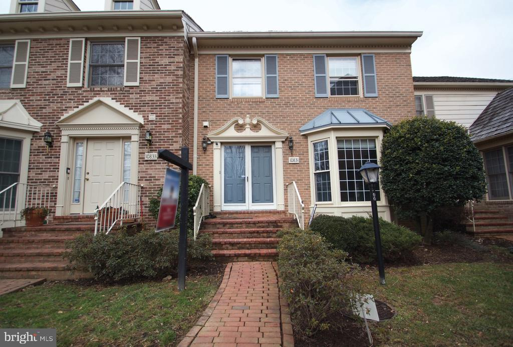 - 10831 BREWER HOUSE RD, ROCKVILLE