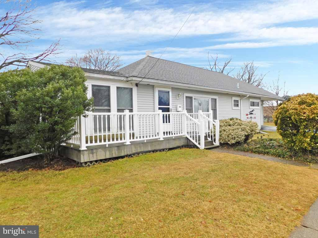 Photo of home for sale at 316 Crestview Road, Lansdale PA