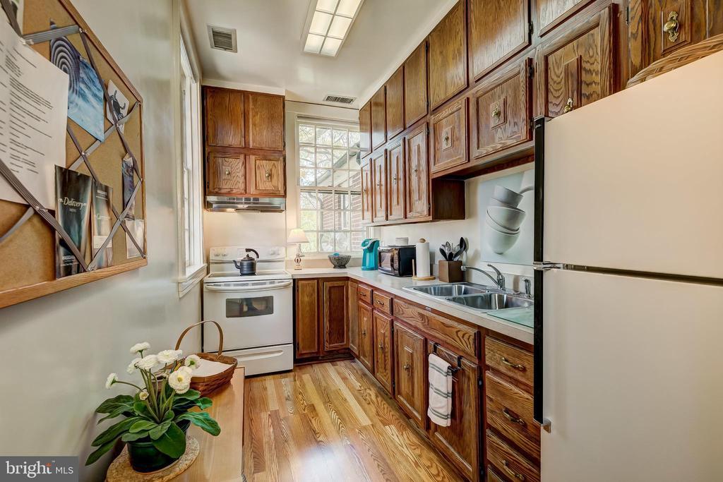 Apartment Kitchen - 1 S ACTON PL, ANNAPOLIS