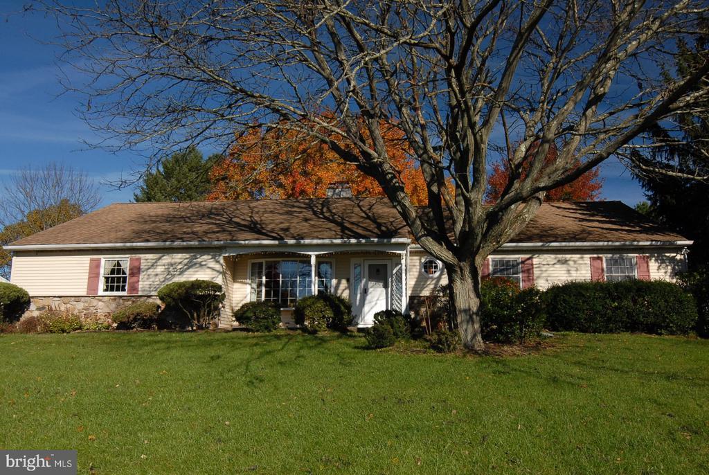 174 FIRETHORN RD, Newtown PA 18940
