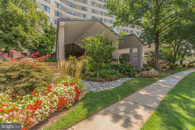 Additional photo for property listing at 1200 N Nash St #551 Arlington, Virginia 22209 United States