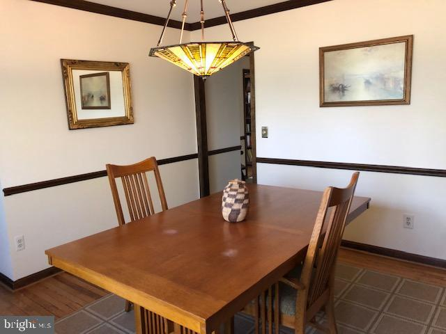 Wonderful dining area with chair rail - 10300 YELLOW PINE DR, VIENNA