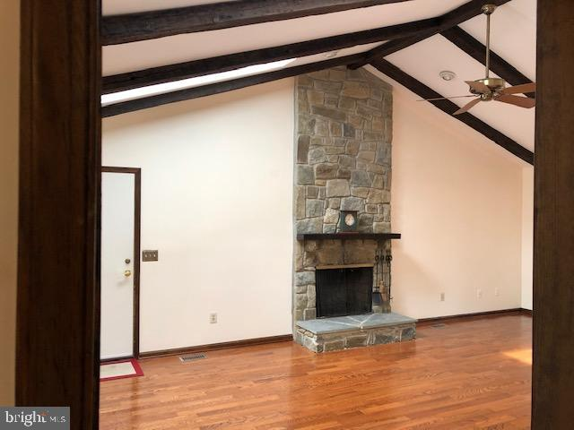 Wonderful floor to ceiling stone fireplace - 10300 YELLOW PINE DR, VIENNA