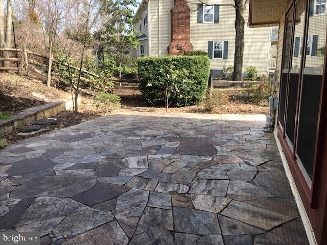 Large patio off screened porch - 10300 YELLOW PINE DR, VIENNA