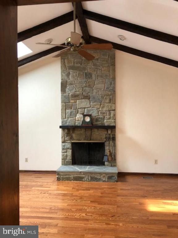 Family Room off kitchen - 10300 YELLOW PINE DR, VIENNA