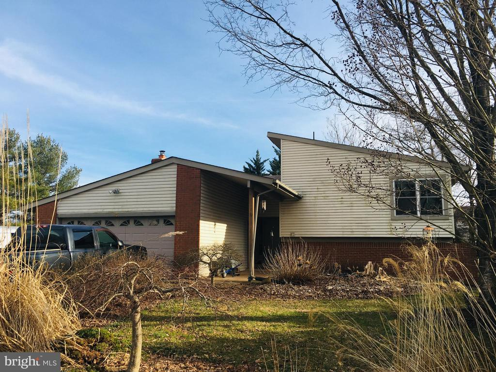Great Value in Sterling! - 4 DARUS CT, STERLING